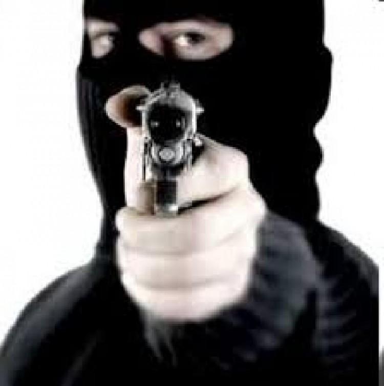 Resultado de imagen para encapuchados armados