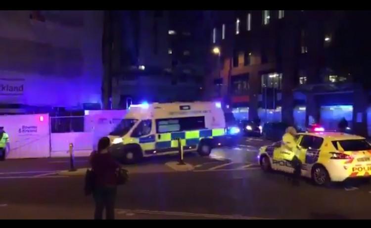 Manchester: Evacuaron un centro comercial por un