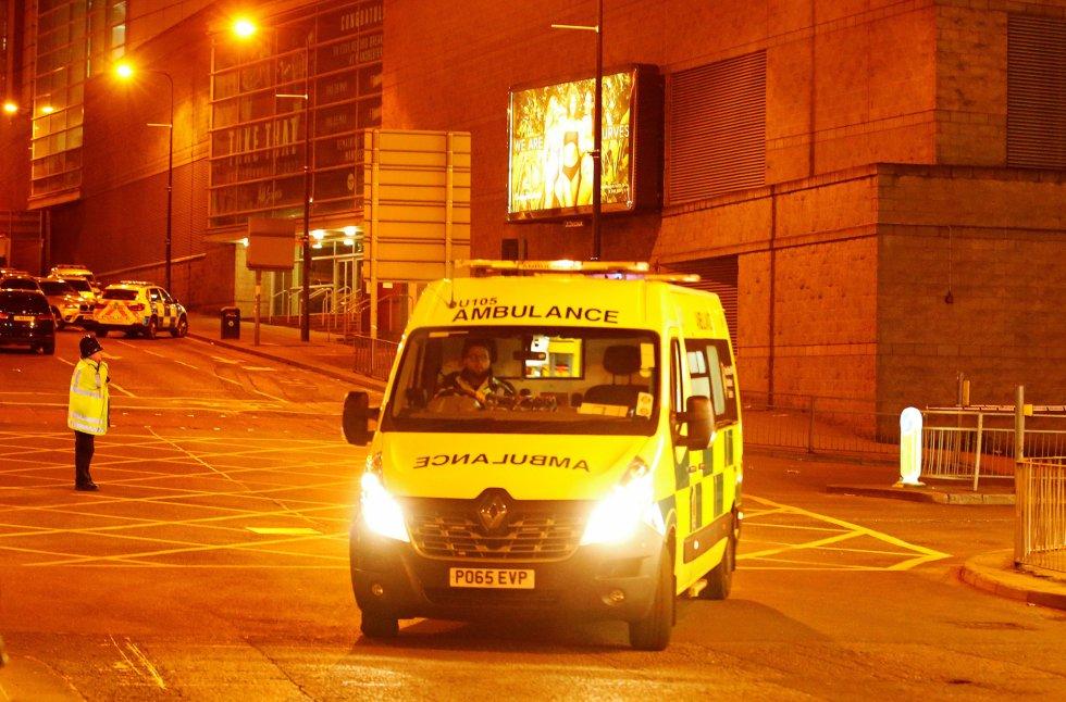 Tras el atentado, evacuan un centro comercial en Manchester