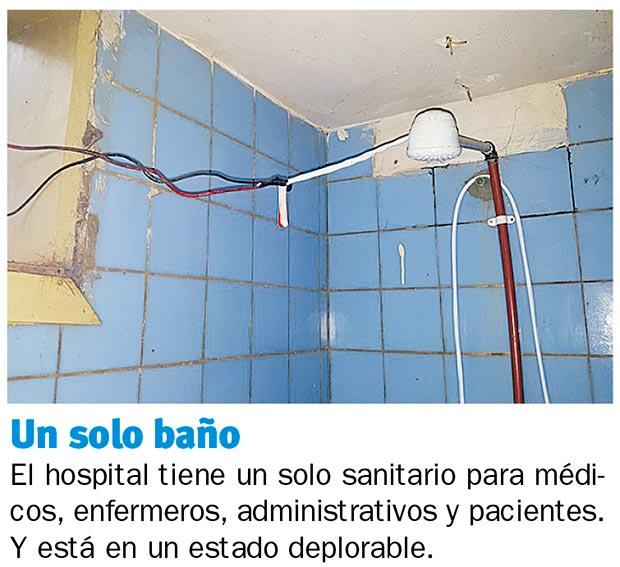 Baño General De Un Paciente: : Un hospital que tiene apenas dos médicos y un edificio precario