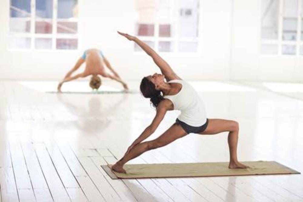 El respirar correctamente ayuda a mejorar la realización de las posturas 51c613ceface