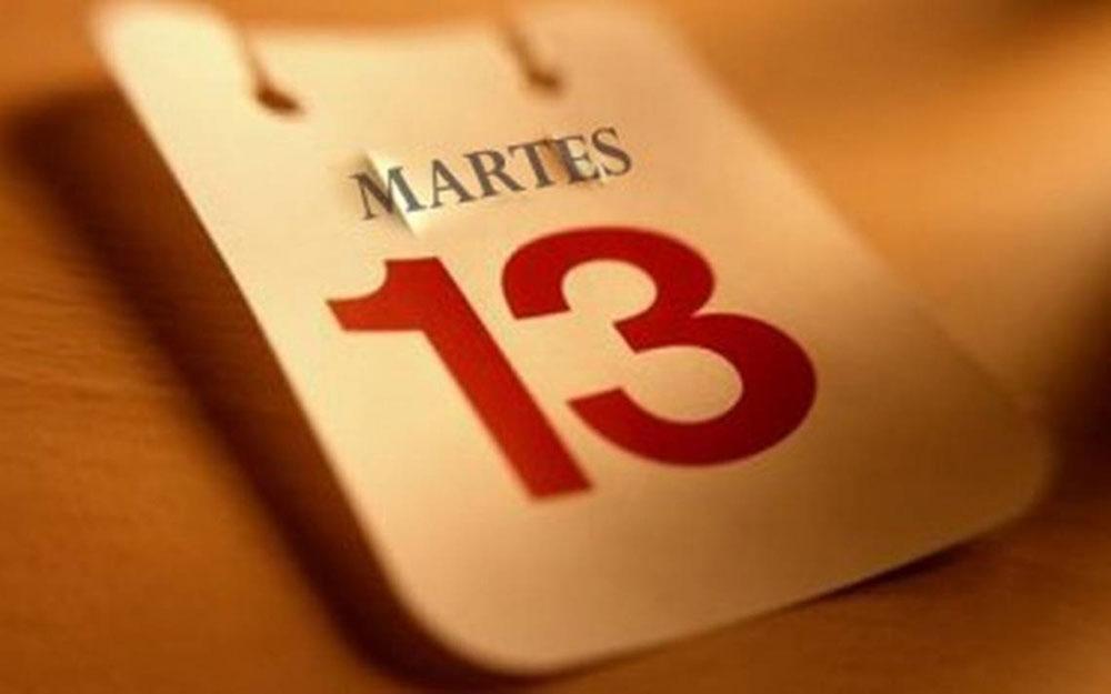 Martes 13 Ni Te Cases Ni Te Primera Edición