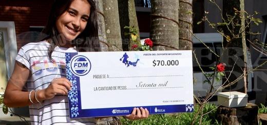 Noelia Palacios - La ciclista recibió una beca por sus méritos deportivos