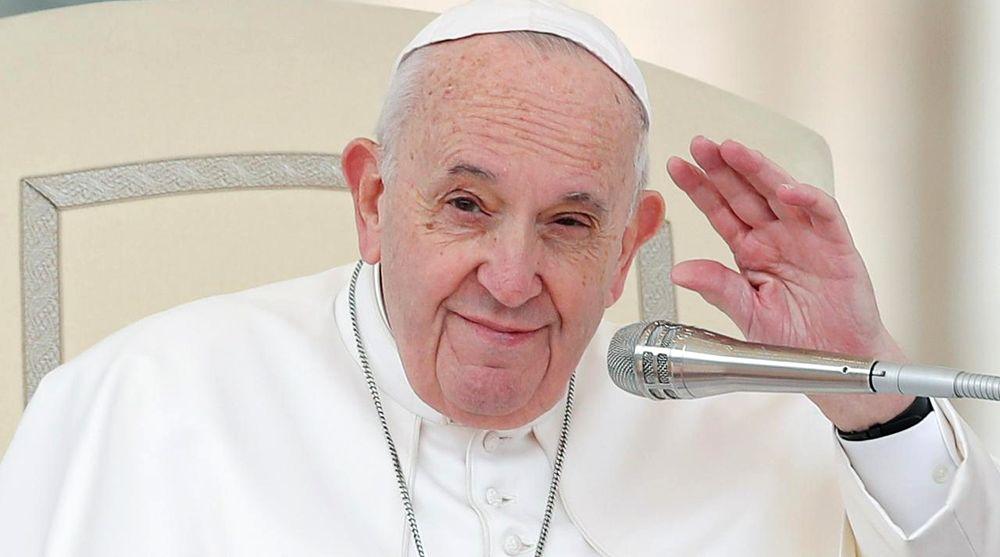 El Papa Francisco saludó al pueblo argentino por el 25 de