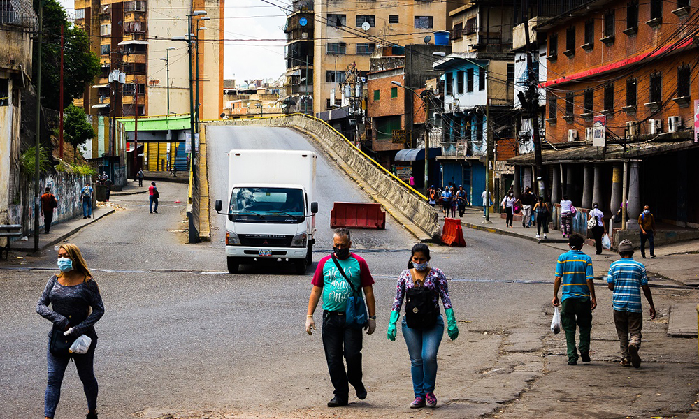 Venezuela - Se trata de un hombre de 47 años y es la primera muerte por coronavirus en Venezuela, donde además ya se registran 107 personas contagiadas.